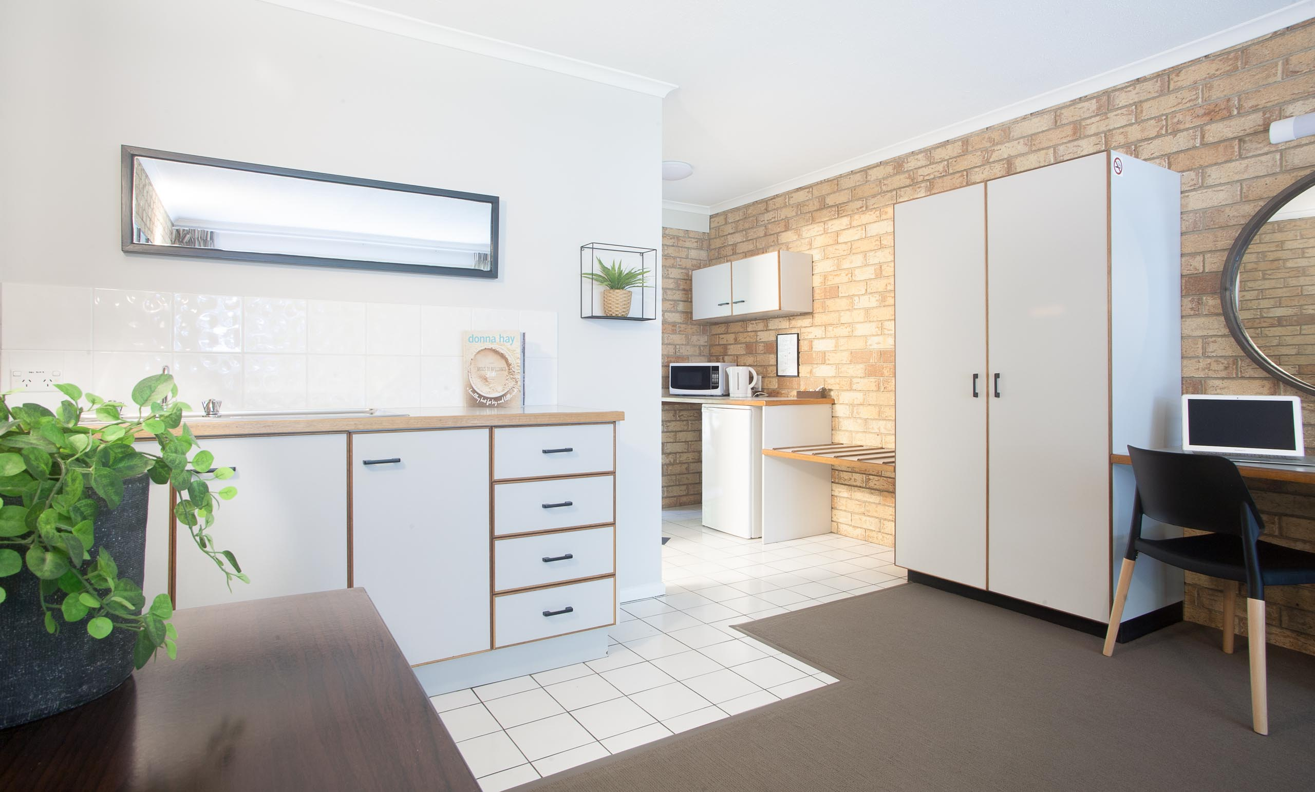 Sunshine Coast Motor Lodge Accommodation Premium Kitchenette Unit with Patio