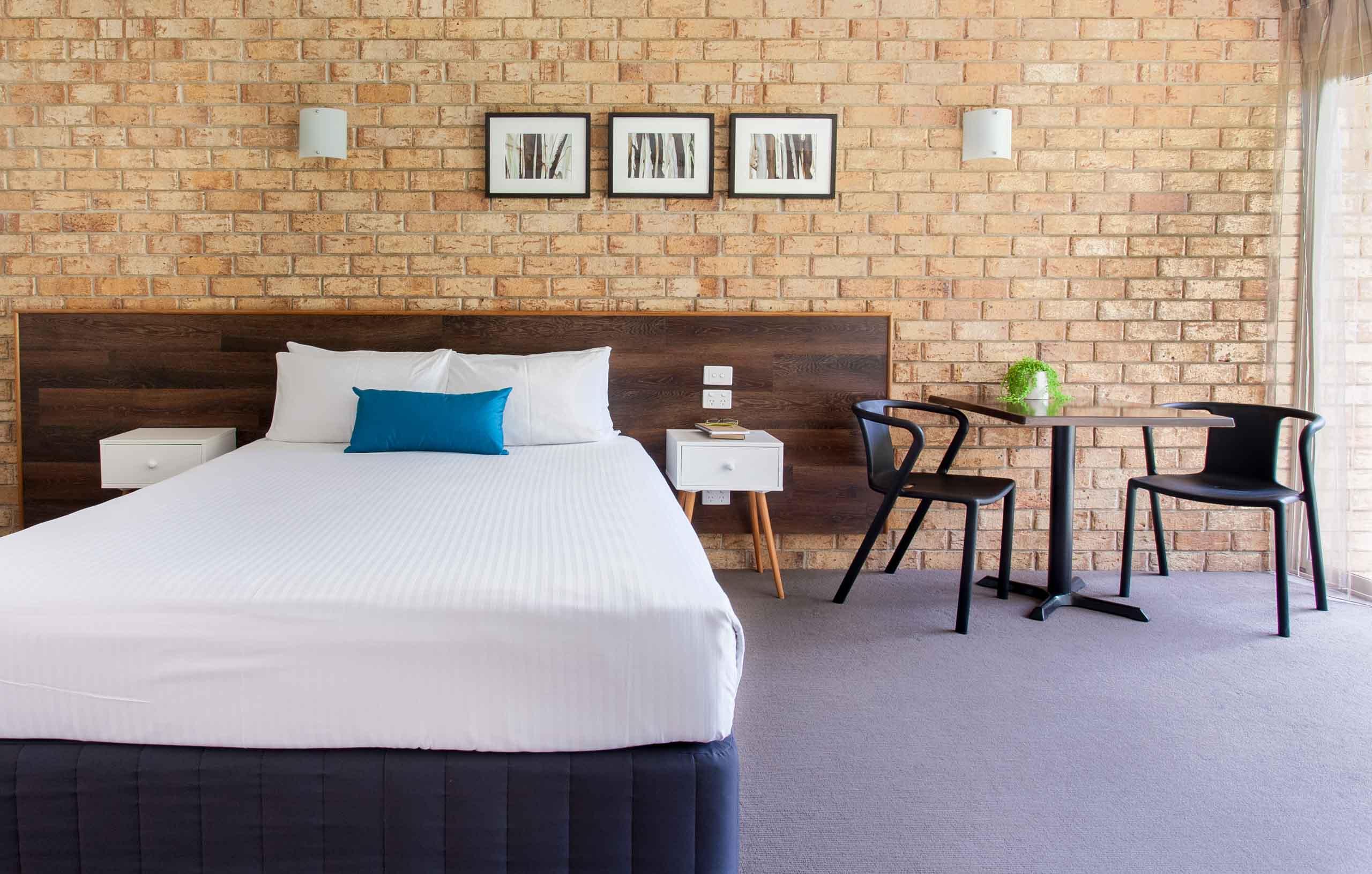 Sunshine Coast Motor Lodge Accommodation Signature Garden View Queen Room