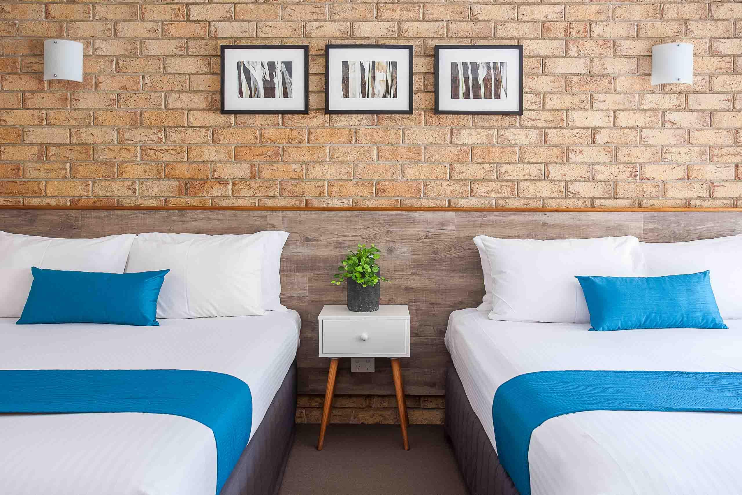 Sunshine Coast Motor Lodge Accommodation Signature Garden View Twin Queen Room